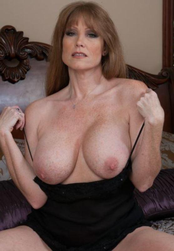 MommyLovaa (47) uit Luxemburg