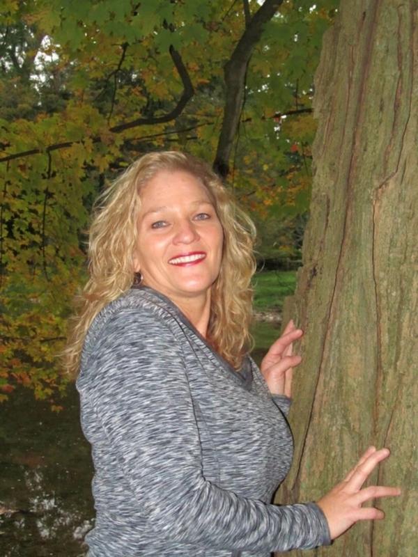 Elineeee (49) uit Drenthe